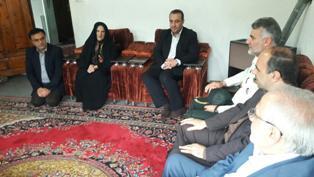 دیداراستاندار مازندران با جمعی ازخانواده های شهیدانتظامی رامسر
